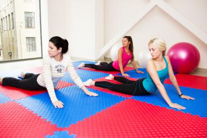 Есть упражнения которые помогут накачать прямые мышцы спины дома