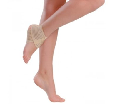 Бандаж на голеностопный сустав довольно часто применяется