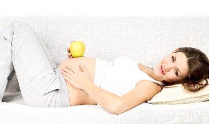 При беременности часто обостряются хронические заболевания суставов