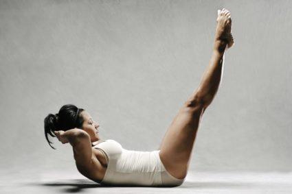 Пилатес не нуждается в приложении больших усилий, эти упражнения для растягивания
