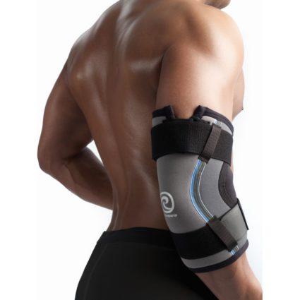 Усиление болей приходится на сжатие кистей в кулак