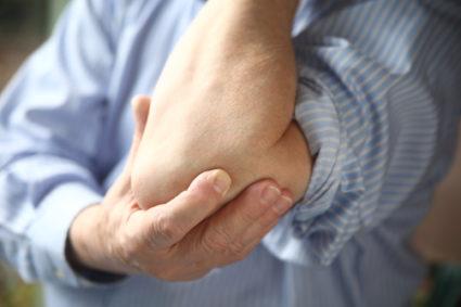 Опухоль на локтевом суставе,причины тому могут быть разные