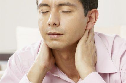 Основной симптом - головные боли