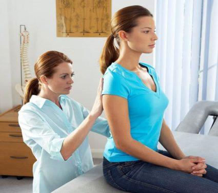 При проблемах спины следует обратиться к врачу