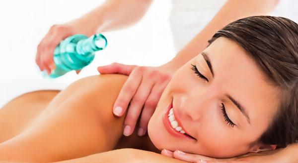 Массаж поможет расслабиться и снять болевые ощущения