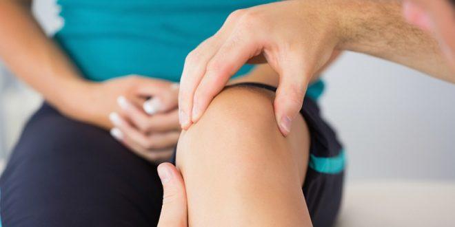 При первых признакокх дискомформа и боли необходимо показаться врачу