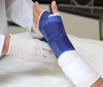 После травмы необходимо обратиться в трампункт