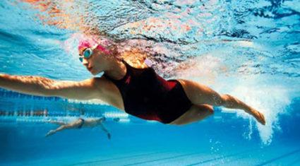 Плавание благотворно влияет на все группы мышц