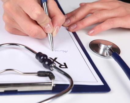 Доктора помогают нам быстрее лечиться