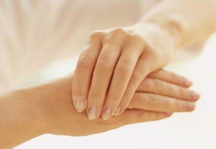 При подагре чаще поражаются суставы больших пальцев