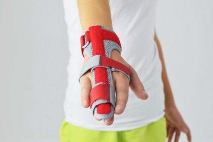 Фиксатор в лечении артрита рук
