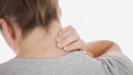 Боль в области шеи мешает поворачивать головой