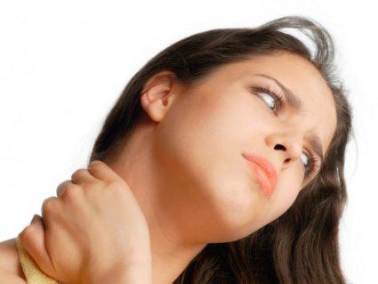 Болит шея сбоку