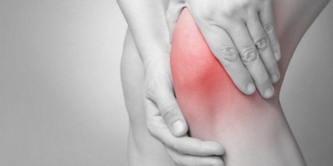 Воспаленный сустав мешает нормальной ходьбе