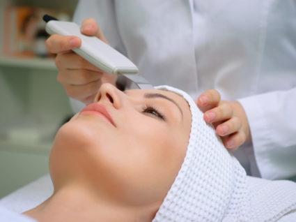 Очищение кожи фонорезом